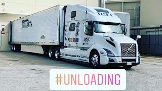 Download Getting Unloaded In Tampa 1 Nov 2018 Video