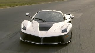 Download On the road: 2015 LaFerrari (On Cars) Video