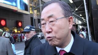 Download UN Secretary-General Ban Ki-moon celebrates UN Day in Times Square Video