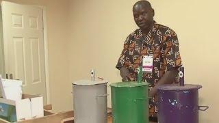 Download Présidentielle en Gambie : pas de bulletins, on vote avec des billes Video