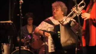 Download Metropolitan Klezmer: Mainly Rumanian Medley (Ismail's accordion!) Video