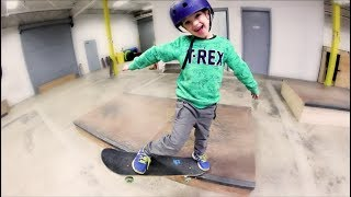 Download FATHER SON NEW SKATE MANEUVER! Video