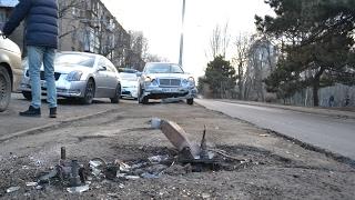Download В Одессе «Мерседес» снес ситилайт и побил «БМВ» и «Лексус» Video
