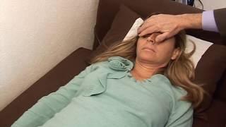 Download Viol sous hypnose : Enquête sur le psychiatre Hoareau - Reportage Video