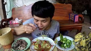Download ส้มตำปูดอง สูตรลูกอีสาน กินกับแมงทับสดๆต้มเนื้อเปื่อยยายตึ่ง Video