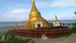 Download Video shows Myanmar pagoda collapse after heavy rainfall Video