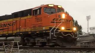 Download Mulvane JCT. Two locations, two trains. Mulvane Kansas. 11/14/2017 Video