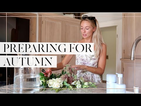 PREPARING THE GARDEN FOR AUTUMN { & More Dressing Room Organising! } // Fashion Mumblr Vlog