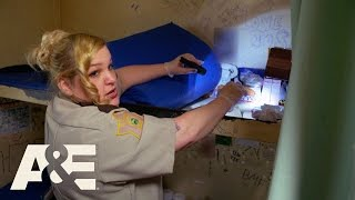Download 60 Days In: From Inmate to Officer - Smokes and Tattoos (Episode 7) | A&E Video