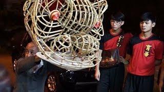 Download Lion Dance demonstration by Master Siow 蕭斐弘師傅示範舞獅動作 萧师傅舞狮 Video