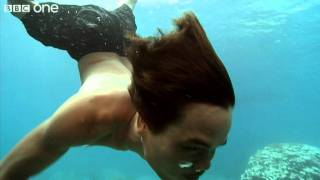 Download How Moken children see with amazing clarity underwater - Inside the Human Body - BBC One Video