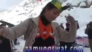 Download chitral kelashi dance snwo jeep rally at lawari top Video