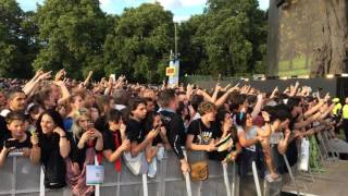 Download Crowd singing Bohemian Rhapsody - Before Green Day concert 01/07/17. Hyde Park. Video