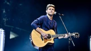 Download Niall Horan - This Town (Radio 1's Teen Awards 2016) Video