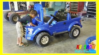 Download Kruz Fixing The Power Wheel Ride On Ford F-150 (Changing The Battery) Video