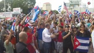 Download ¡Cuba libre! Miami es una fiesta con la muerte de Fidel Castro Video