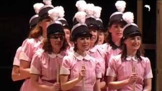 Download Mädchen in Uniform - Wege aus der Selbstverwirklichung Video
