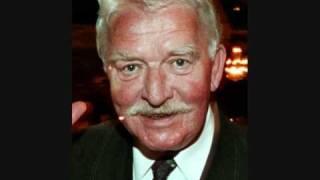 Download Hasse & Tage - Fotbollstränare Bob Lindeman Video