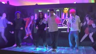 Download 4M8U vs Just Dance - Brutte figure al GamesWeek Video