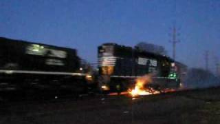 Download Norfolk Southern Locomotive ON FIRE !!! Video