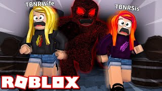 Download MY LITTLE SISTER and WIFE ESCAPE THE BEAST! (Roblox Flee The Facility) Video