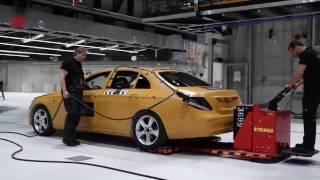 Download Mercedes E class 2017 crash test Video