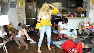 Download THAT TIME OF THE MONTH | Lele Pons Video