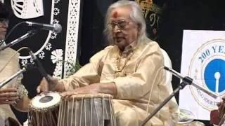 Download Kishan Maharaj along with Puran Maharaj - Sangeet Piyasi 2005 Video
