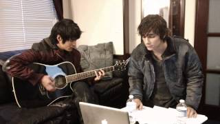 Download Devon Bostick and Chris Larkin of ″The 100″ Sing About The Show Video