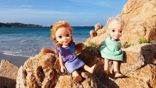 Download Elsa and Anna toddlers at the beach Video