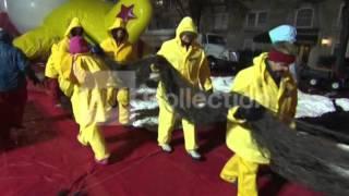 Download NY:MACY'S PARADE BALLOON PREPS(GOOD VIDS!) Video