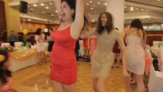 Download Funny Wedding Bouquet Throws Video