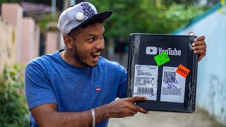 Download YOUTUBE PLAY BUTTON LIVE UNBOXING Video