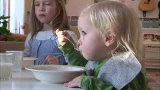 Download 세계의 교육현장 - 1편 핀란드의 유치원 교육,잘 놀아야 공부도 잘 한다! Video