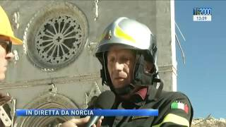 Download #Terremoto: scossa in diretta durante lo speciale del #Tg2000 da #Norcia Video