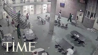 Download Fight At Cook County Jail In Chicago Leaves 16 Inmates Facing Mob Action Charges | TIME Video