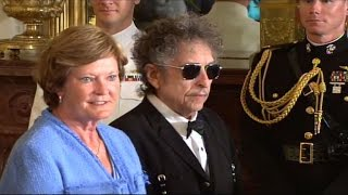 Download 'Greatest Living Poet' Bob Dylan Awarded Nobel Prize In Literature Video