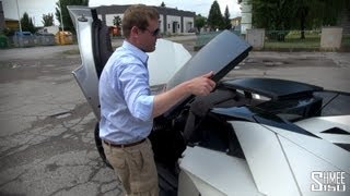 Download How to remove the roof of a Lamborghini Aventador Roadster Video