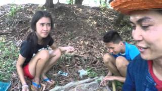 Download กินข้าวป่ามื้อวันลงปลา ก้อยกุ้งฮิมหนอง Video