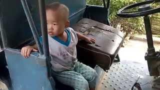 Download TUAN TO: Cubi muốn lái công nông Video