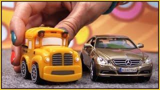 Download Bburago - CRASH MERCEDES!! Bussy & Speedy German Toy Cars Construction Cartoons for Children Video