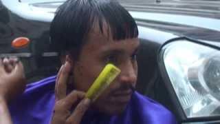Download 30 rupee roadside haircut in Mumbai Video