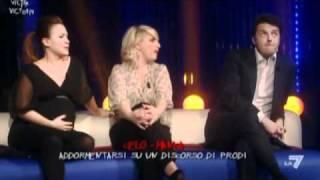 Download Katia & Valeria - Intervento a Victor Victoria 3-11-2010 parte 1 Video