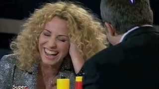 Download Antonella Clerici prova l'orgasmo simulato di ″Harry ti presento Sally″, con Claudio Amendola. Video
