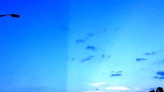 Download IS THE SKY A HOLOGRAM OR PROJECT BLUE BEAM ? TO HIDE INCOMING ! Video