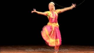 Download Bharatnatyam - a traditional dance of India Video