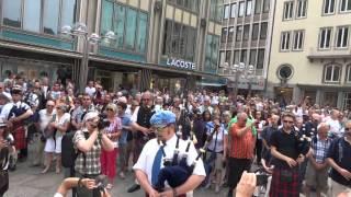 Download Flashmob Köln 7.6.2014 Pipes & Drums Video