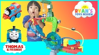 Download Thomas and Friends Minis Motorized Raceway with DC Super Friends Video