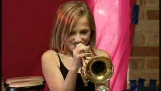Download Mum and the Trumpet Girls (Bugler's Holiday) Video