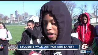 Download Local students walk out of class to protest gun violence Video